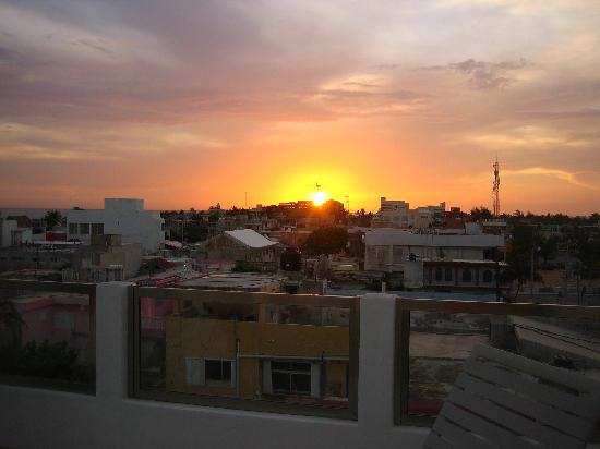 Casa Sirena Hotel : sunset from rooftop