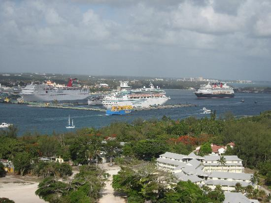 The Reef Atlantis, Autograph Collection: View to Harbor with Cruise ships in town