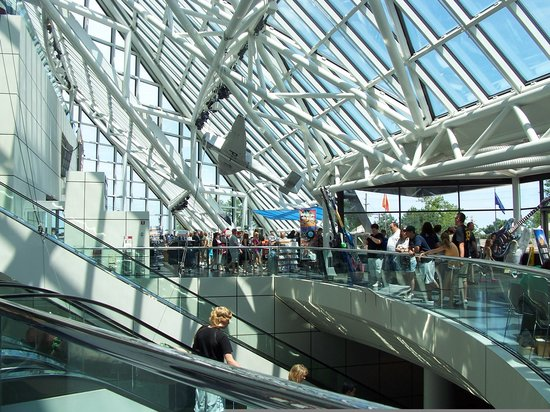 Rock & Roll Hall of Fame: The interior of the Rock Hall - pics are allowed here