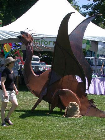 Eugene, OR: At Art and the Vineyard, an annual fair