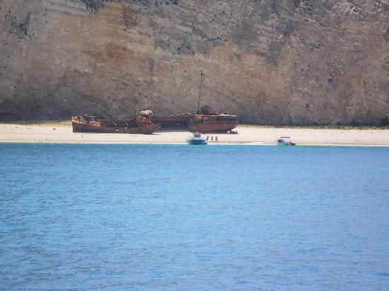 Plessas Palace Hotel: shipwreck cove