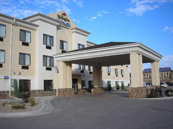 USA Stay Hotel and Suites : The outside of hotel