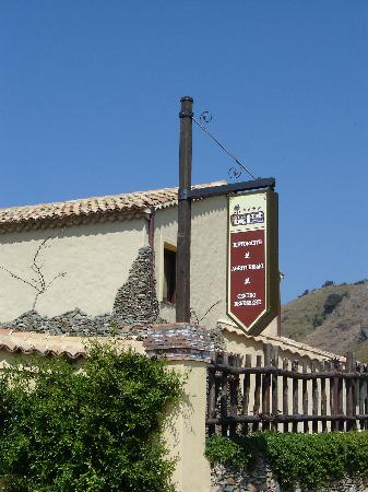 Campora San Giovanni, Italie : Il Borgo della Marinella entrance