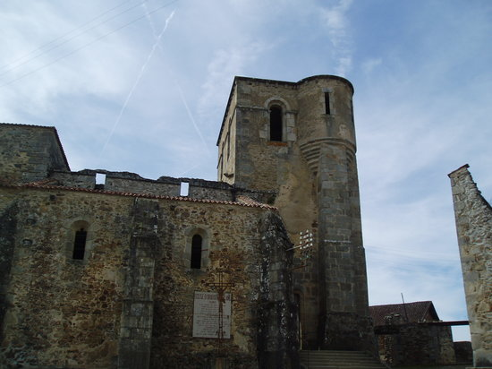 Oradour-sur-Glane, Frankreich: Church at Oradour