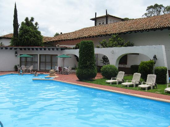 Best Western Plus Posada De Don Vasco: Pool
