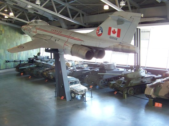 Canadian War Museum: Vehicle gallery - war museum