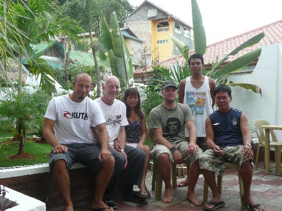 Island Jewel Inn: The staff and us