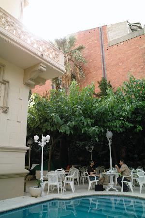 Hotel El Xalet: The courtyard restaurant