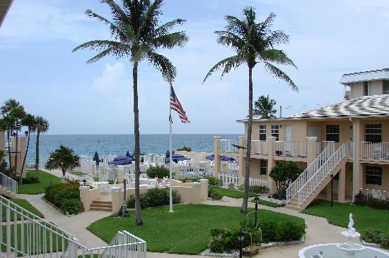 Gulf Stream, Floride : view of the courtyard from our balcony