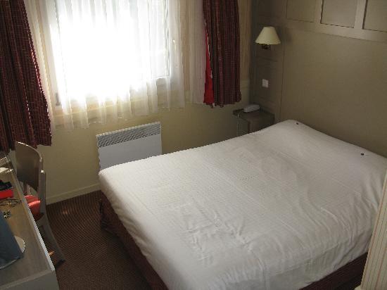 Hôtel Le M Honfleur: Second Floor Room - Kyriad Honfleur