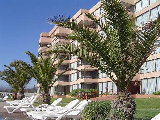 Hotel Club La Serena: Jardín y habitaciones