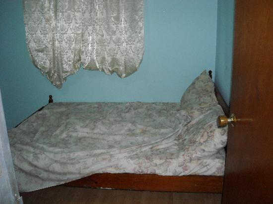 Melbourne Inn: Bed