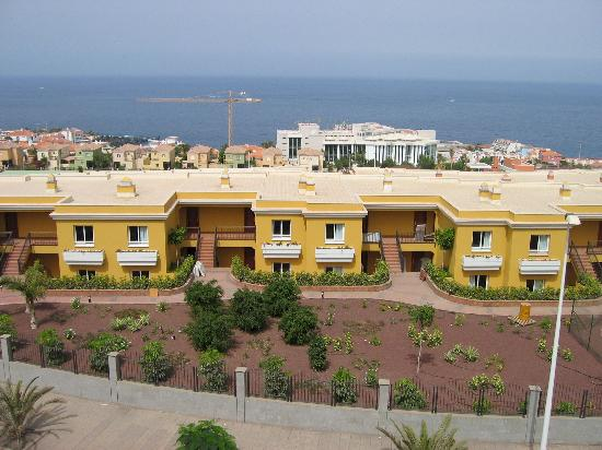 Be Live Family Costa los Gigantes: Hotel Costa Los Gigantes view of suites from the road at the rear