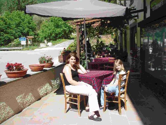Albergo Regina Giovanna: In front of hotel