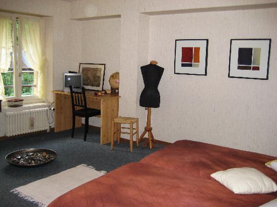"""Hotel du Lac Grandson: Doppelzimmer Thema """"Schneider"""""""