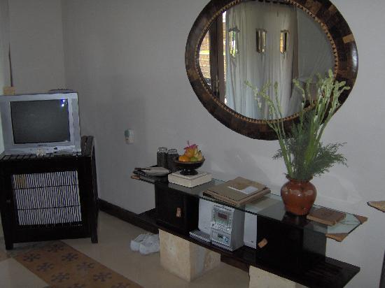 Barong Resort and Spa : chambre