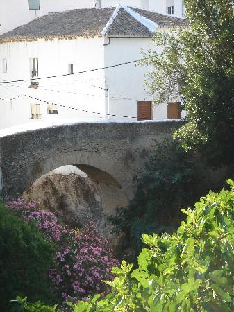 Puente en Setenil de las Bodegas