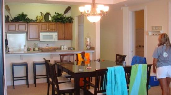 Ocean Ritz Condominiums: kitchen/ dining