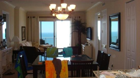 Ocean Ritz Condominiums: living room