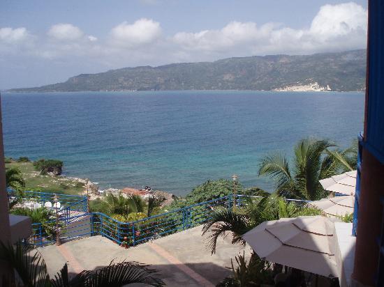 side of the hotel picture of cap lamandou hotel jacmel. Black Bedroom Furniture Sets. Home Design Ideas