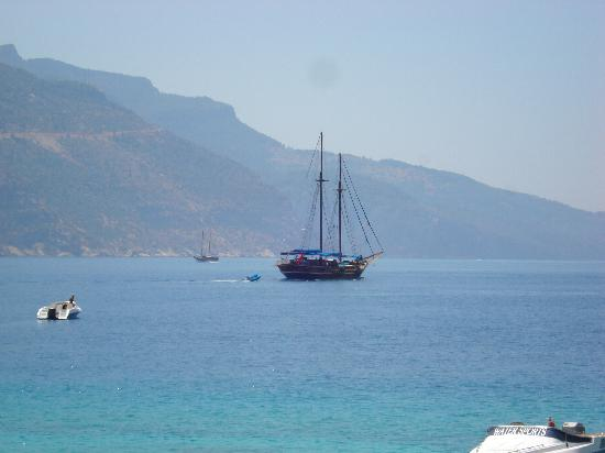 Mellis Beach Hotel: Sailing on the Olu Deniz Coast line