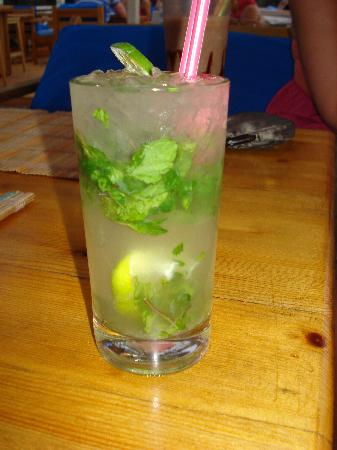 Mellis Beach Hotel: One of many great Mojito's from Buzz