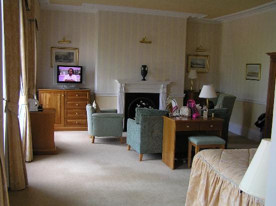 The Crescent Hotel: Londsborough Room