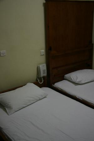 Athens International Youth Hostel: Beds