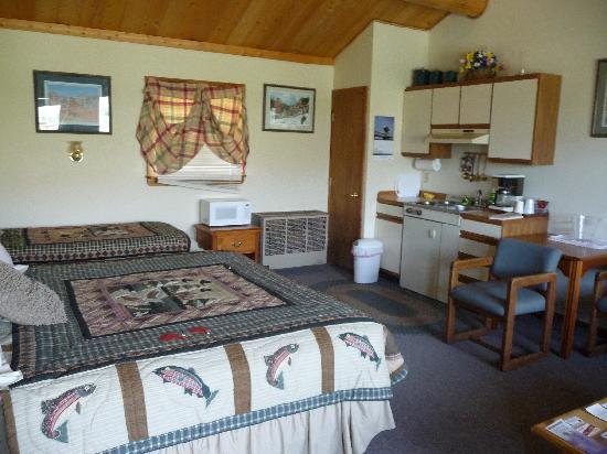 Schmalz's Red Pole Ranch and Motel: Ohhhhh, feels like home.