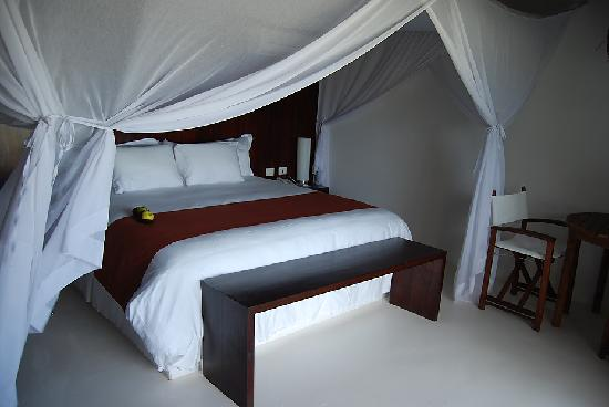 Le Reve Hotel & Spa : our lovely bed