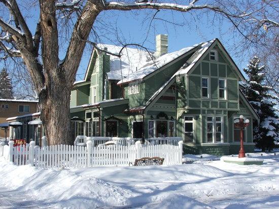 Thompson House Inn : An excellent restaurant right next door!