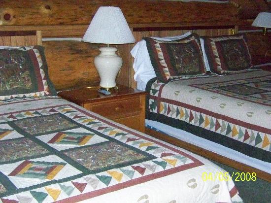 Soap Lake, WA: beds room 27