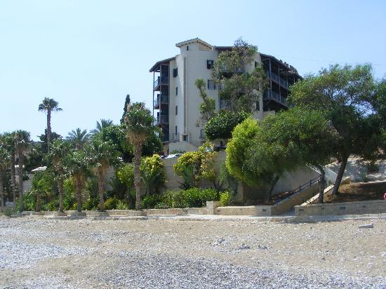 Columbia Beach Resort Pissouri: Hotel from the beach