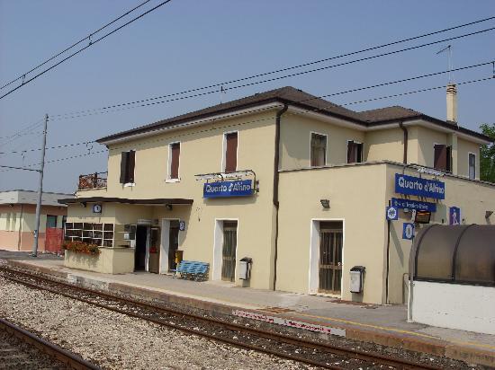Quarto d 39 altino station 20 mins from venice velence for Visma arredo quarto d altino