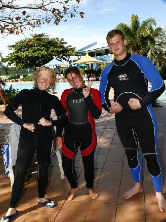 Whitsunday Dive Adventures - Dive Courses & Half Day Dive Trips: just 3 of us on course