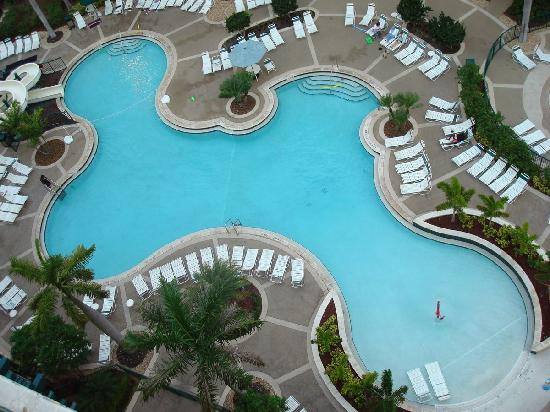 Wyndham Palm-Aire: view of the pool from our room