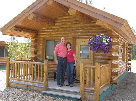 Silverwolf Log Chalet Resort: here is what the cabin looks like