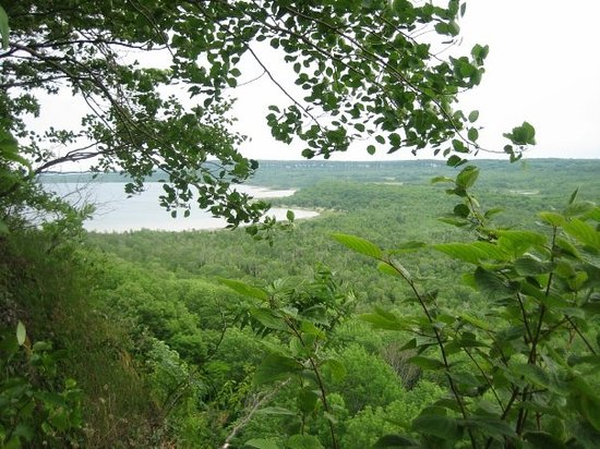 Cape Croker Indian Park : view from escarpment