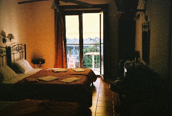 Paradise Hotel Parga: Paradise Hotel room