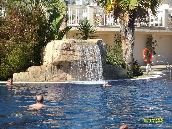 SENTIDO Garden Playanatural: las piscinas estan limpias