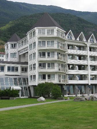 Hotel Ullensvang: Hotelansicht