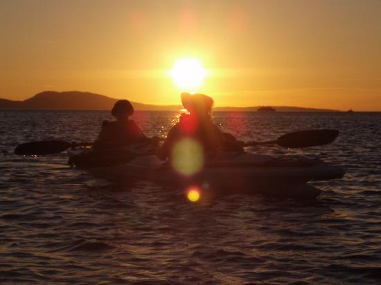 Bartwood Lodge : sunset kayaking