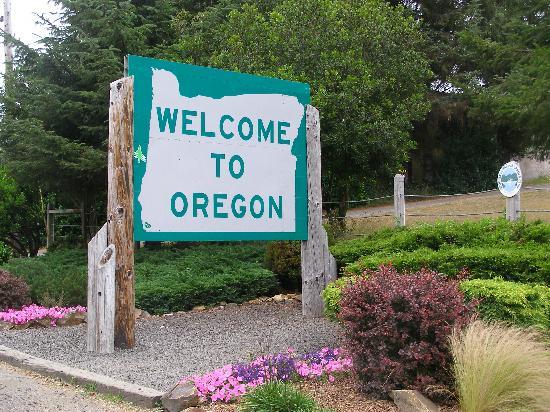 Ocean Suites: Welcome to Oregon, Oceans Suites is just arond the corner!!!!!