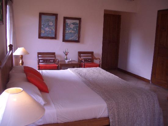 Puri Mesari Hotel & Suites: puri mesari superior room pic 2