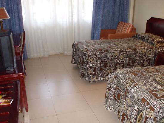 International Dateline Hotel: room