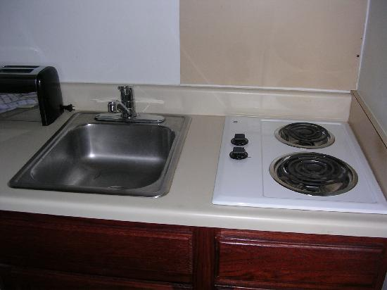 Extended Stay America - Detroit - Auburn Hills - Featherstone Rd.: stove-top
