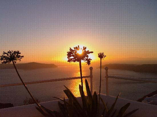 Grace Santorini Hotel: Magical sunset