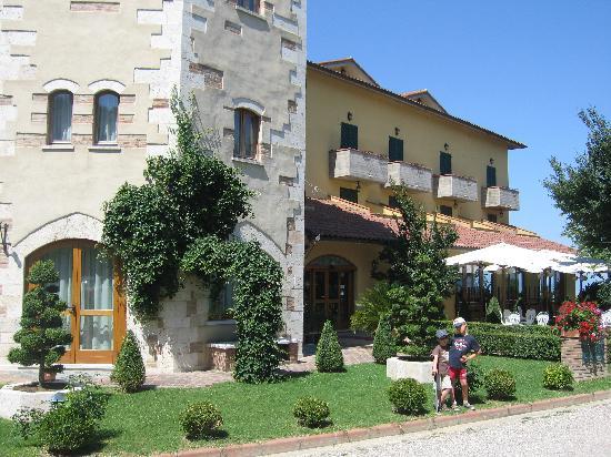 Hotel La Lanterna: Entrance
