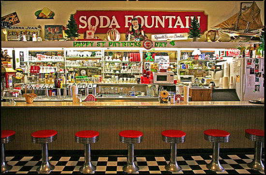 Soda fountain blue springs restaurant reviews phone for Old fashioned pharmacy soda fountain