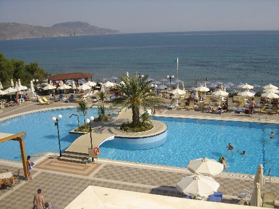 Hydramis Palace Beach Resort: piscine